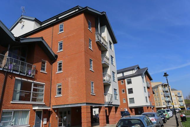 Thumbnail Flat to rent in Rotary Way, Colchester