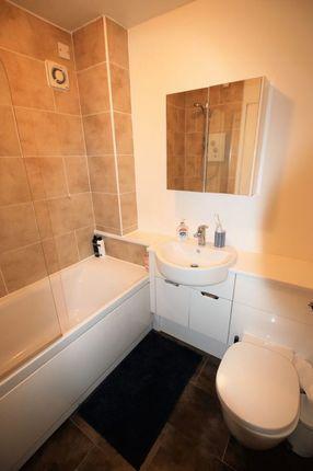 Bathroom of Clepington Court, Dundee DD3
