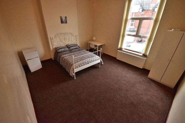 Thumbnail Room to rent in Room 7A, Beeches Road, West Bromwich