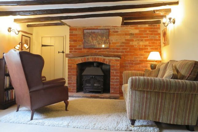 Thumbnail Cottage to rent in Park Lane, Helhoughton, Fakenham