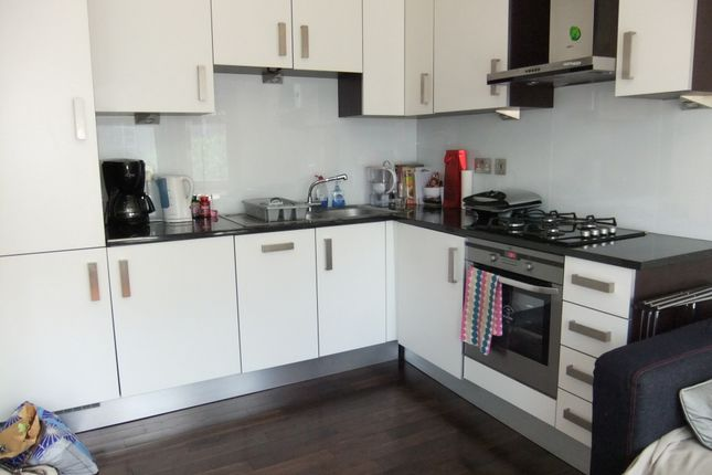 Thumbnail Flat to rent in Fulham Road, Fulham, London