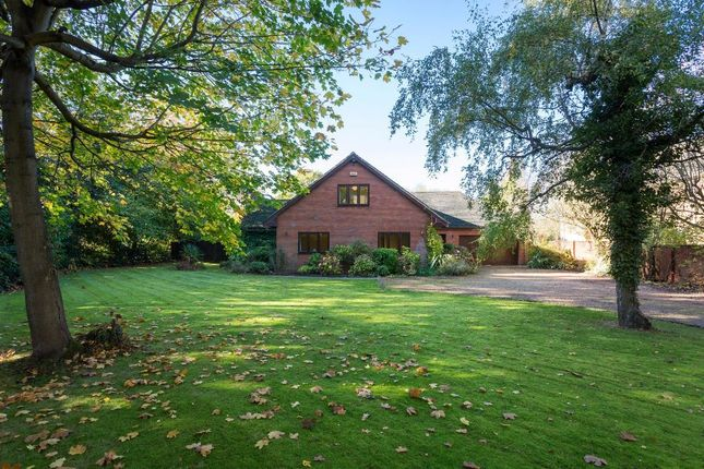 Thumbnail Detached house for sale in Dunchurch Road, Rugby