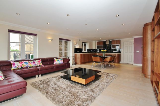 Thumbnail Semi-detached house for sale in Pier Road, Greenhithe