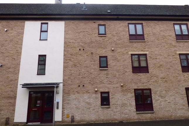 Thumbnail Flat for sale in Standside, Northampton