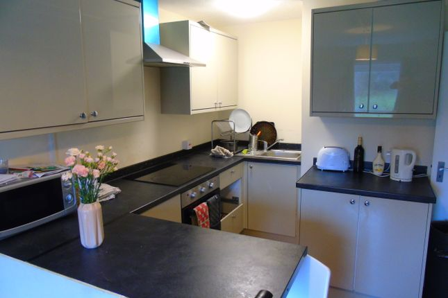 Thumbnail Flat to rent in Woolford Close, Winchester
