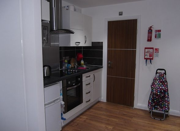 1 bed flat to rent in De Montfort Street, Leicester