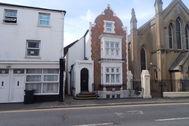 1 bed flat to rent in Cavendish Place, Eastbourne BN21