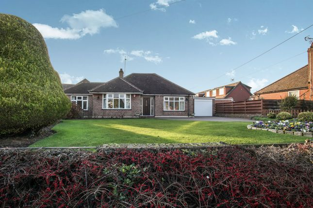 Thumbnail Detached bungalow for sale in Manor Road, Caddington, Luton