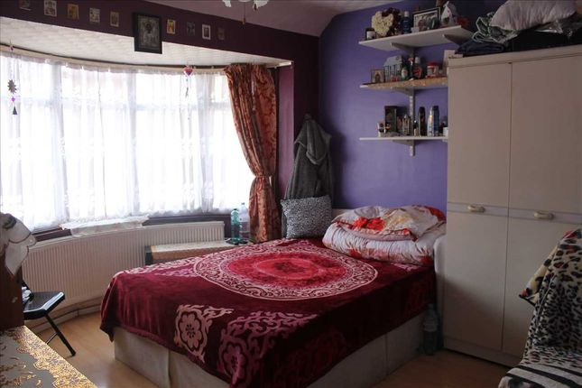 Bedroom 4 of Stuart Avenue, London NW9