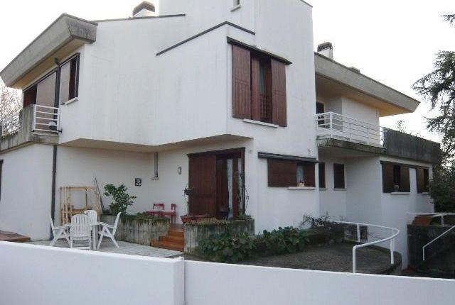 4 bed property for sale in Modern Villa, Montebelluna, Veneto