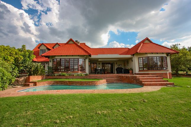 Thumbnail Country house for sale in Polo Close, Beaulieu, Midrand, Gauteng, South Africa