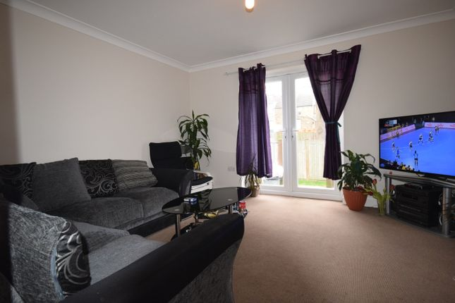 Thumbnail Semi-detached house to rent in Wellmeadow Road, Catford