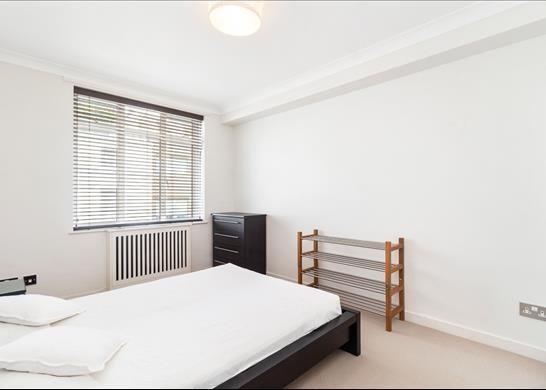 Bedroom of Chancellor House, Kensington, London SW7