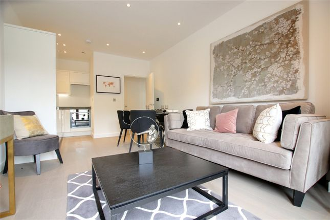 Thumbnail Flat for sale in Ziggurat House, Grosvenor Road, St Albans