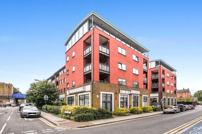 3 bed flat for sale in Resevoir Studios, Cable Street, Limehouse
