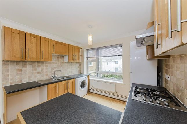Thumbnail Flat to rent in Crescent Road, Worthing
