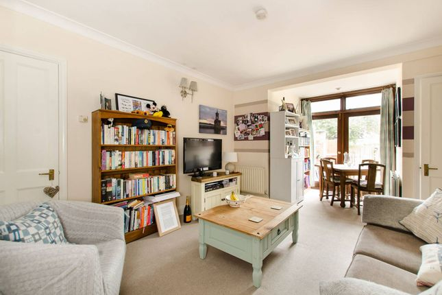 2 bed maisonette to rent in Thornton Avenue, Streatham Hill