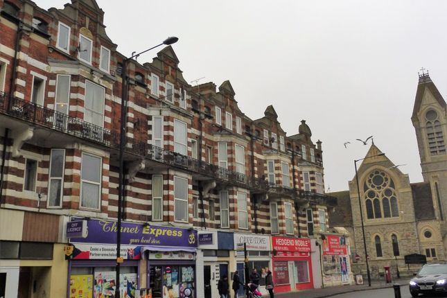 2 bed flat to rent in Northdown Road, Margate