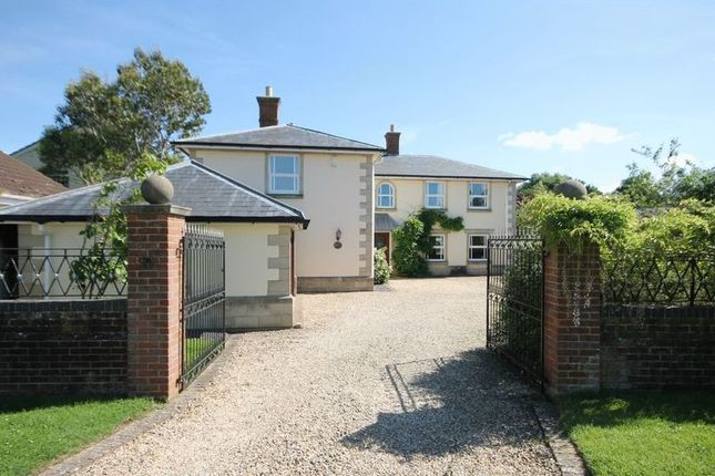 Thumbnail Detached house for sale in Oxford Road, Hampton Poyle, Kidlington