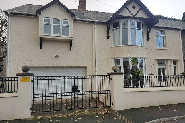 Semi Detached House For Sale In Arlington Road Porthcawl