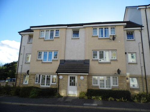 2 bed flat to rent in Collinson View, Perth