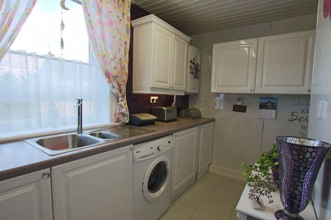 Kitchen of Bayview Road, Invergowrie, Dundee DD2