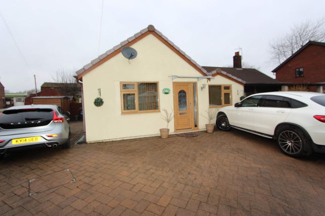 Thumbnail Bungalow for sale in Cowlishaw, Shaw, Oldham