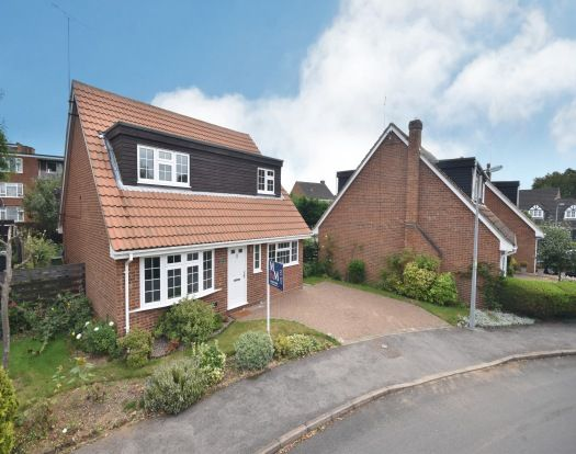 Thumbnail Detached house to rent in Shepherds Mead, Leighton Buzzard
