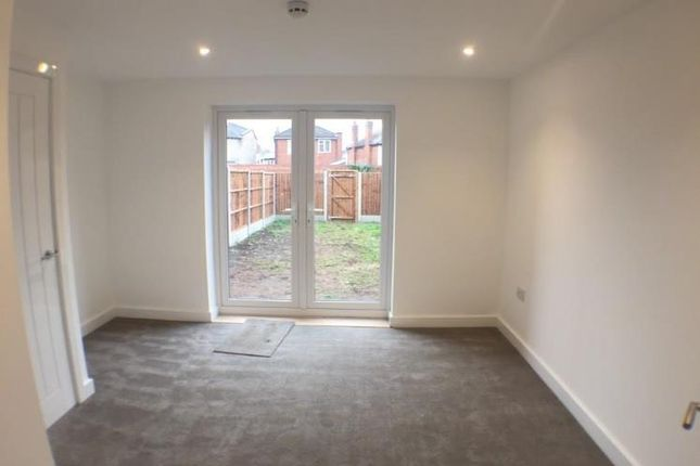 Thumbnail Flat to rent in Leswell Street, Kidderminster