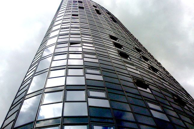 Thumbnail Flat to rent in Angel Lane, London