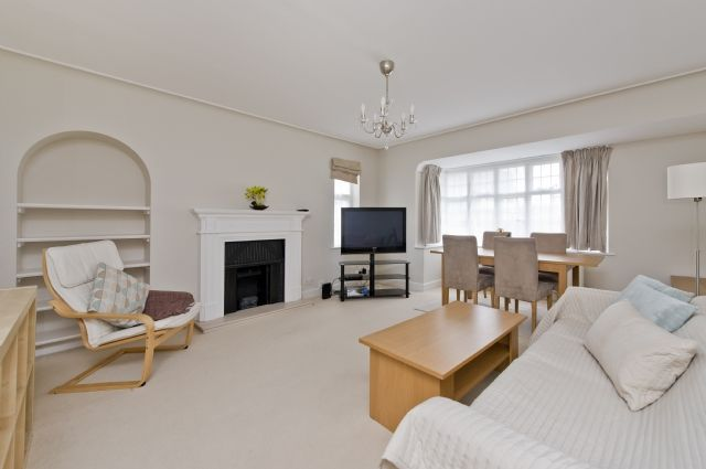 Thumbnail Flat to rent in Rutland Court, Queens Drive, West Acton, London