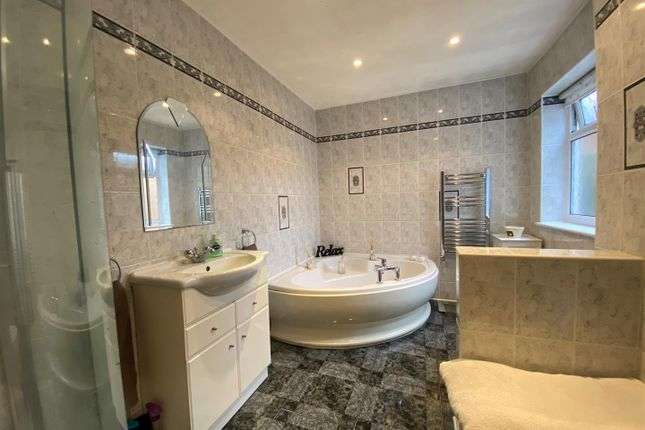Family Bathroom of Church Road, Pamber Heath, Tadley RG26