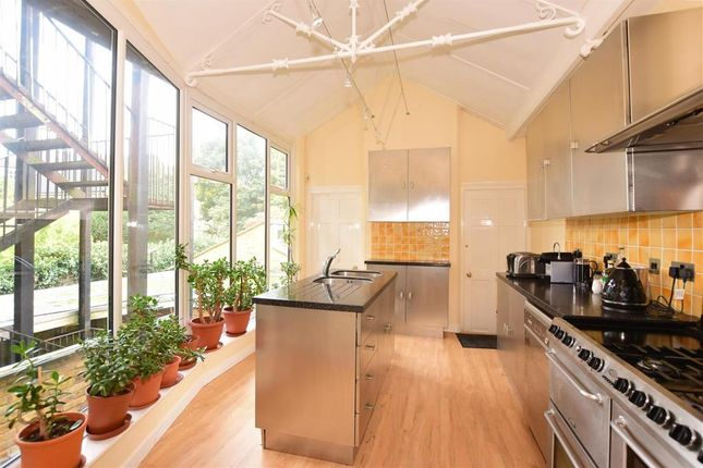 Town house for sale in Star Hill, Rochester, Kent