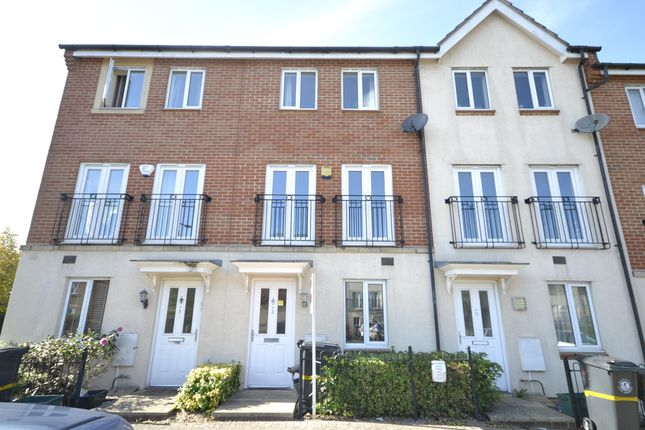 Flat to rent in Thackeray, Horfield