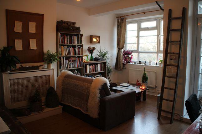 Thumbnail Flat to rent in Gascoyne Road, Victoria Park, London