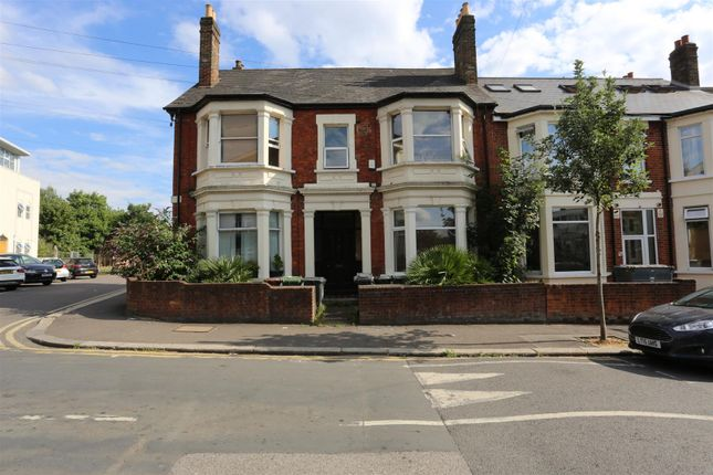 1 bed flat for sale in St Mary Road, Walthamstow, London