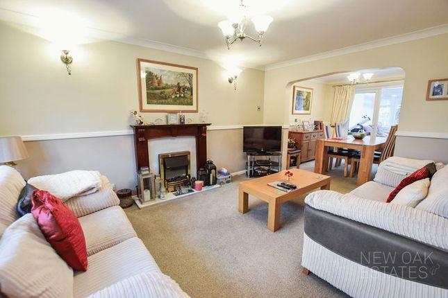 Living Room of Chapman Lane, Grassmoor, Chesterfield S42
