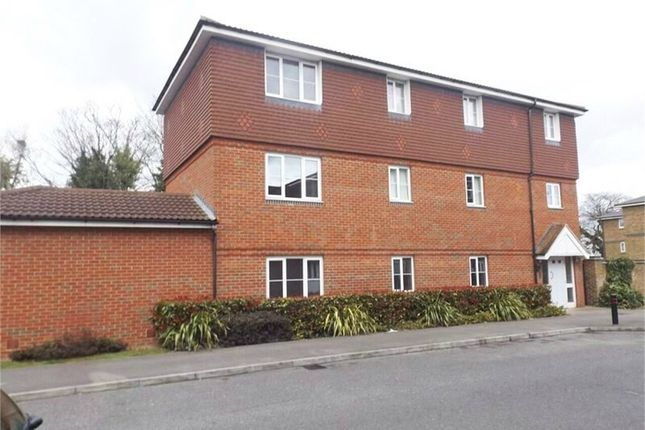Thumbnail Flat for sale in Kiln Way, Dunstable, Bedfordshire