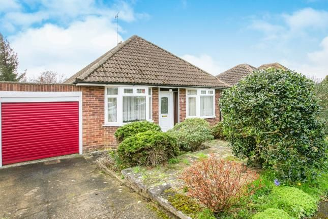 Thumbnail Bungalow for sale in Wheat Hill, Letchworth Garden City, Hertfordshire, England