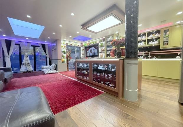 Thumbnail Property for sale in Cumberland Place, Catford, London