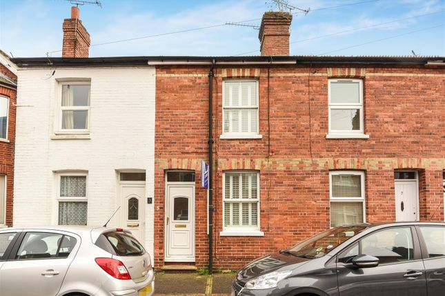 2 bedroom terraced house for sale in Chequer Road, East Grinstead