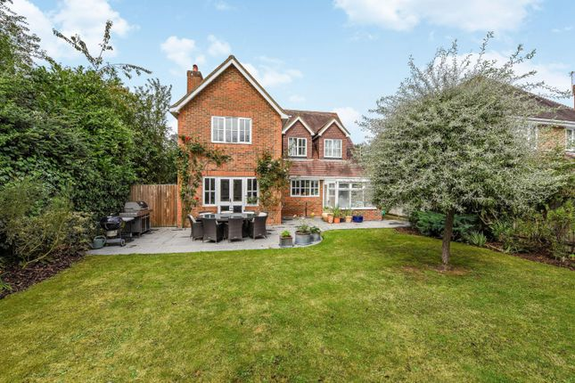 Thumbnail Detached house for sale in Dean Wood Close, Woodcote, Reading