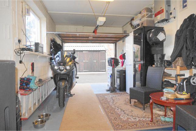 Integral Garage of Dinder, Wells BA5
