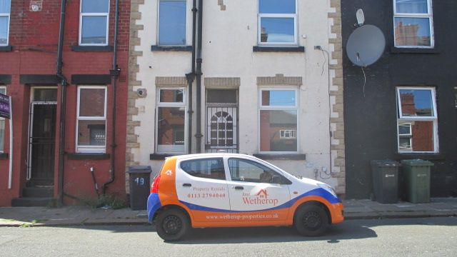Thumbnail Property to rent in Temple View Place, Eastend Park, Leeds