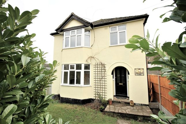 Thumbnail Detached house for sale in West Valley Road, Hemel Hempstead