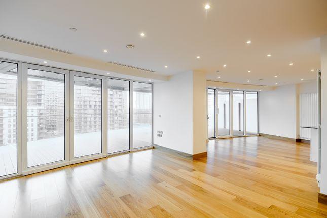 Living Room of Arena Tower, Crossharbour Plaza, Canary Wharf E14