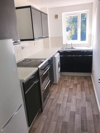 Thumbnail Maisonette to rent in Wheeler Road, Maidenbower, Crawley