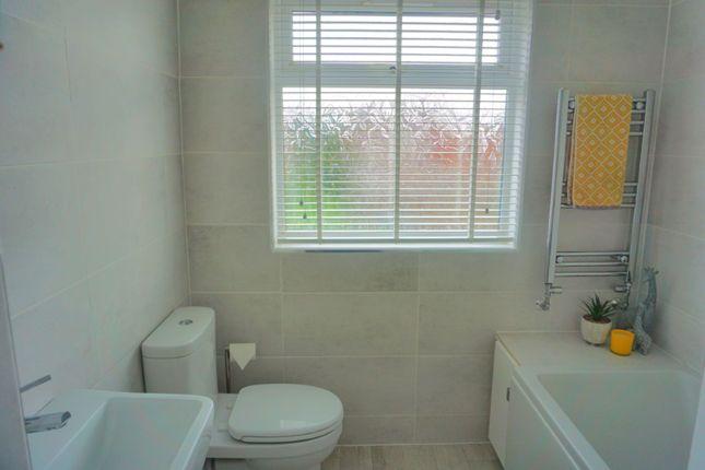 Bathroom of Brooklands Road, Hull HU5