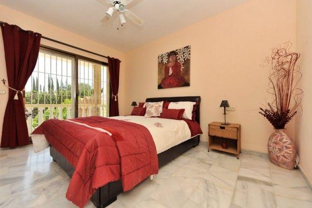 Hot-V3172-Ssc_11_Bedroom