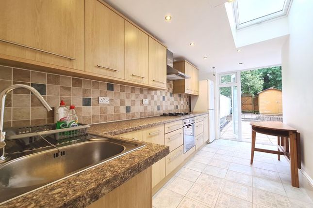 Thumbnail Flat to rent in St. Helen's Crescent, London